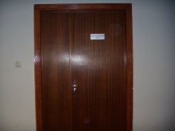 puerta_cerrada_sala1